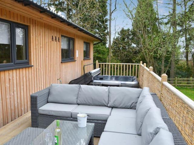 Barn Owl Lodge (UKC3399)