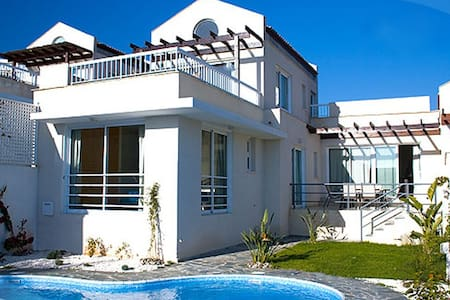 With Pool & Sea & Mountain Views - Pissouri - Villa