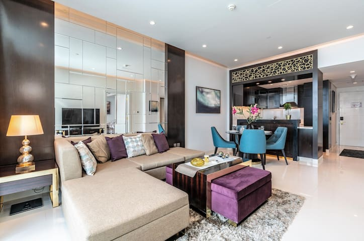 Modern one Bedroom across Dubai Mall