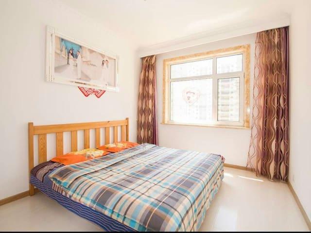 鲅鱼圈山海广场阳光充沛1号精装两室空调房