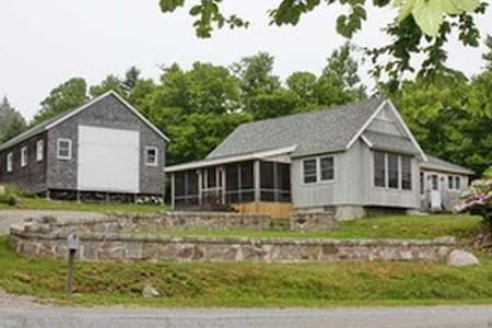 Charming, Comfortable House & Barn with Water View