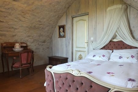 Bergerie romantique et isolée - Millau - Rumah