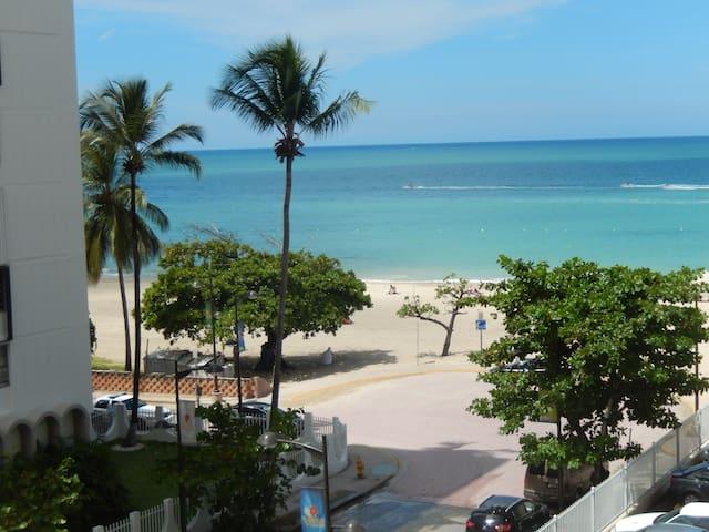Luxury Beachfront Studio with ocean view