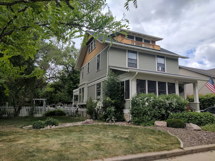 Large Victorian entire 3BR home downtown Bismarck