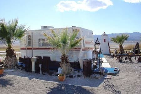 THE SECOND WIND Vintage RV - Death Valley