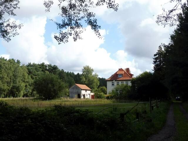 Landhausvilla in idyllischer Lage bei Berlin