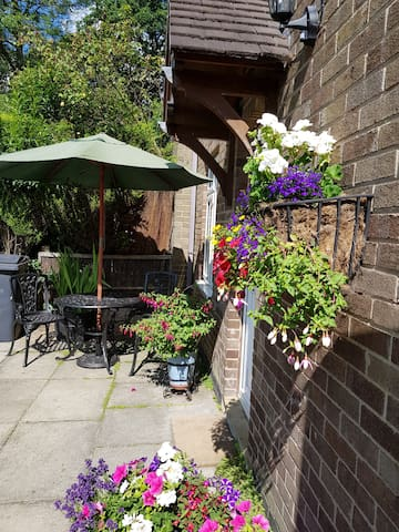 Scarcroft North Leeds, Cottage 3 Bedrooms Sleeps 5