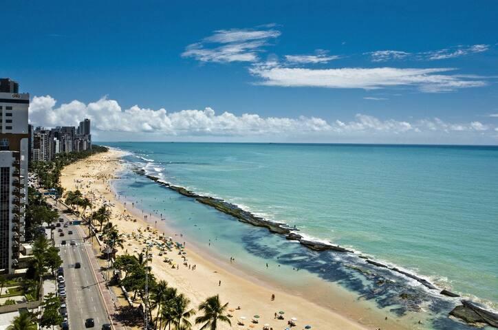 (QT01) Quarto Casal Prox. à Praia de Boa Viagem