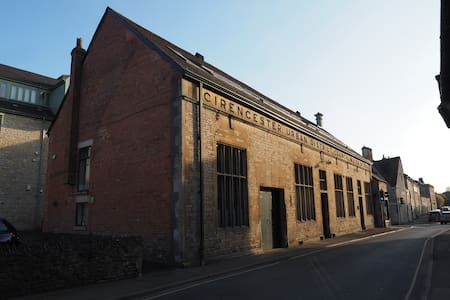 1 The Old Water Works