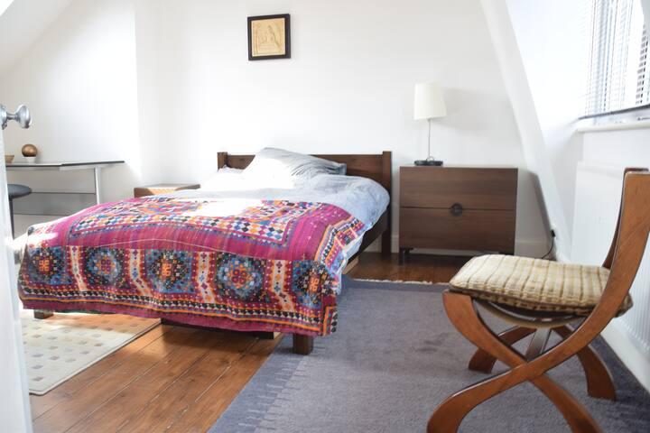Fantastic Double  En-Suite in W12 - Shepherds Bush - House