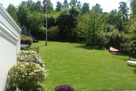 Villa i det rolige mondæne Rungsted - Rungsted Kyst