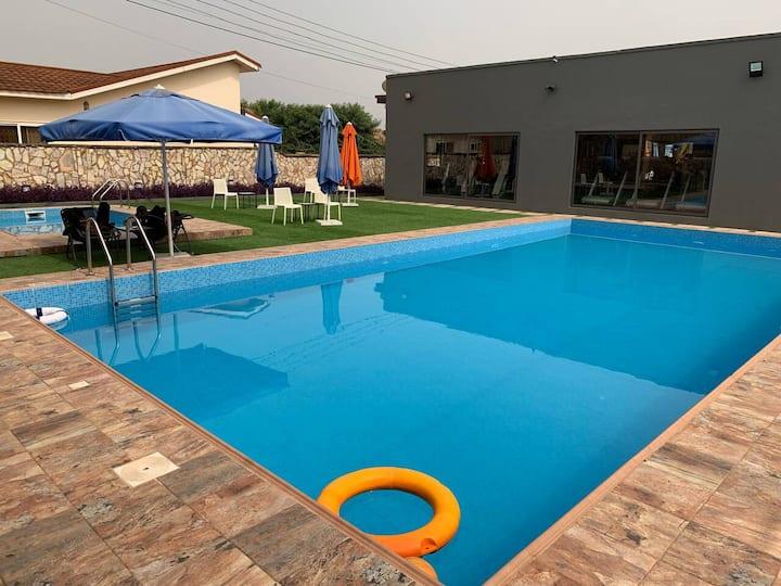 Luxury 3bedroom/3bath villa w/ pool-Oyibi, Accra