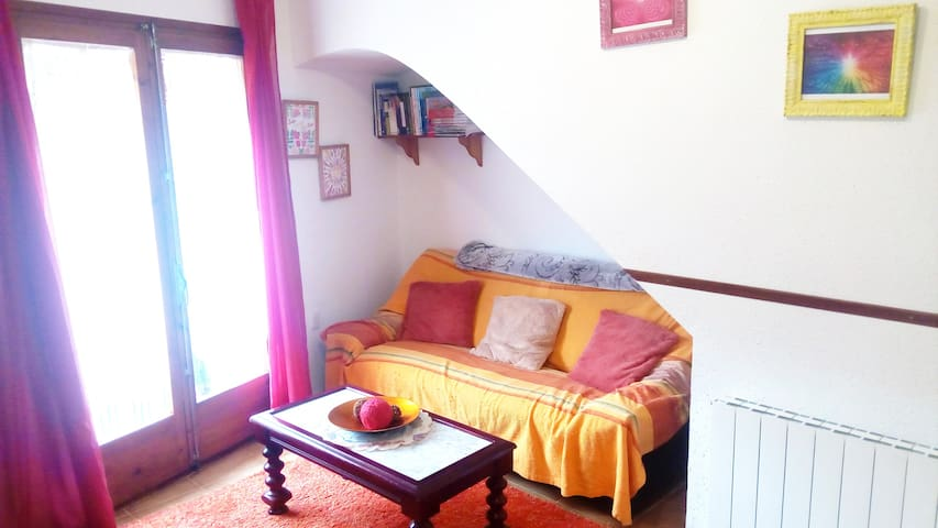 Apartament Rural Vilaplana, down the mountain