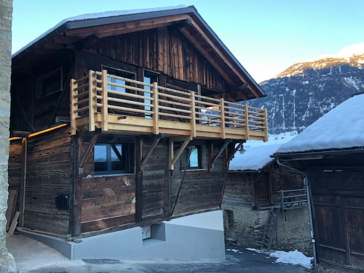 Grand appartement avec terrasse à Chez-Les-Reuses