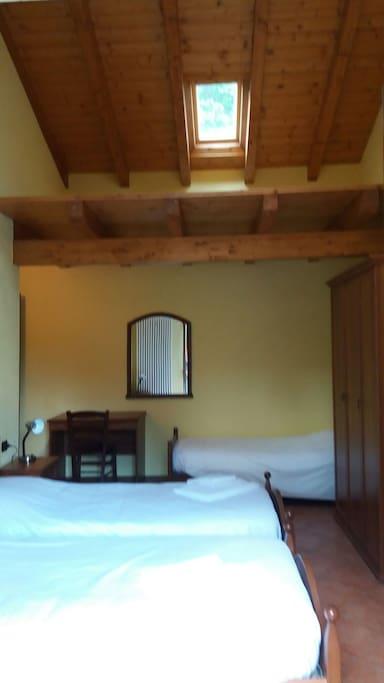 camera con 3 letti