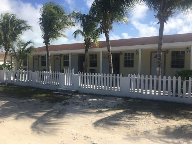 Relaxing location within 5 minutes of BEST BEACHES - North Caicos - Apartemen