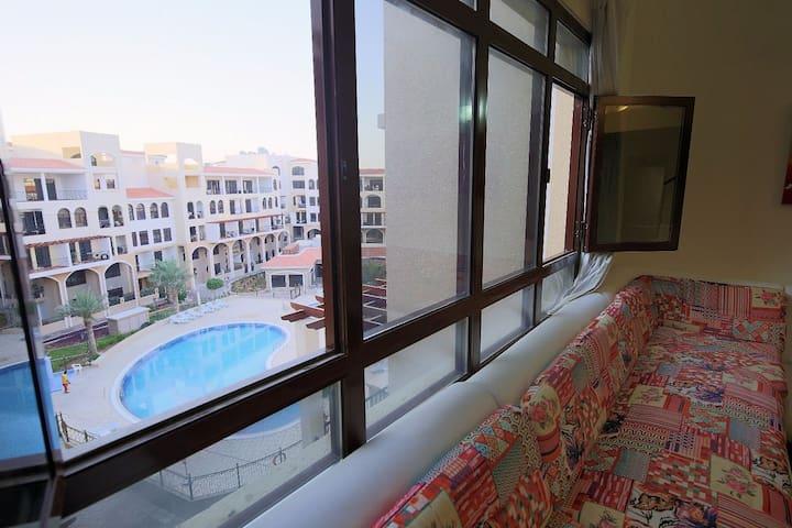Pool view luxury 1BRLoft in da heart of Dubai(JVC)