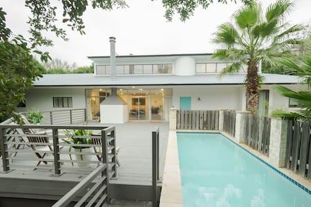Modern Elegance - Austin