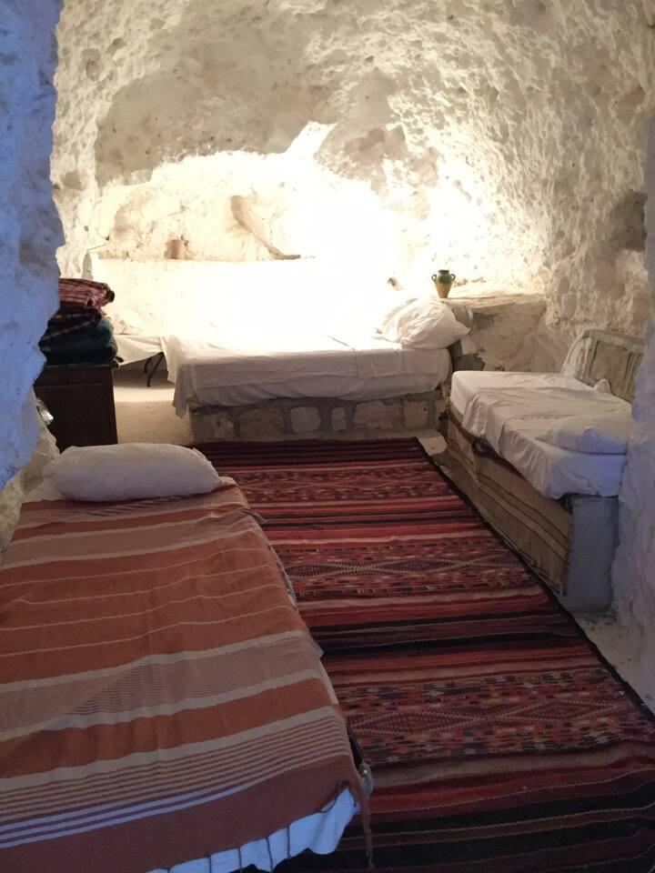 BERBER OLD TOUJANE Bechir's troglodyte  room 01