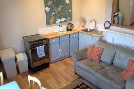 Apartment with River/Estuary Views - Cowes - Apartmen
