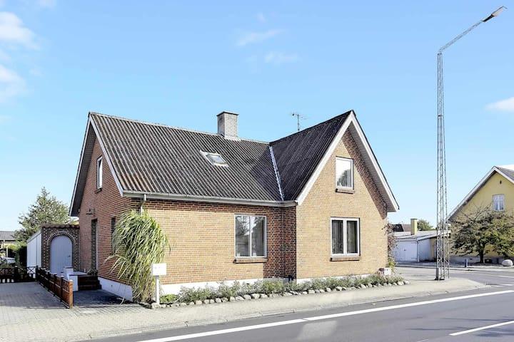 Hyggelig lejlighed tæt på Gudenåen - Bjerringbro - House
