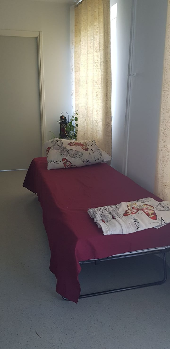 Fully Furnished Space for Ladies Only