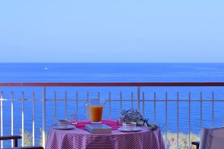 Seaside apartment, breathtaking view! - Epanomi - Apartment