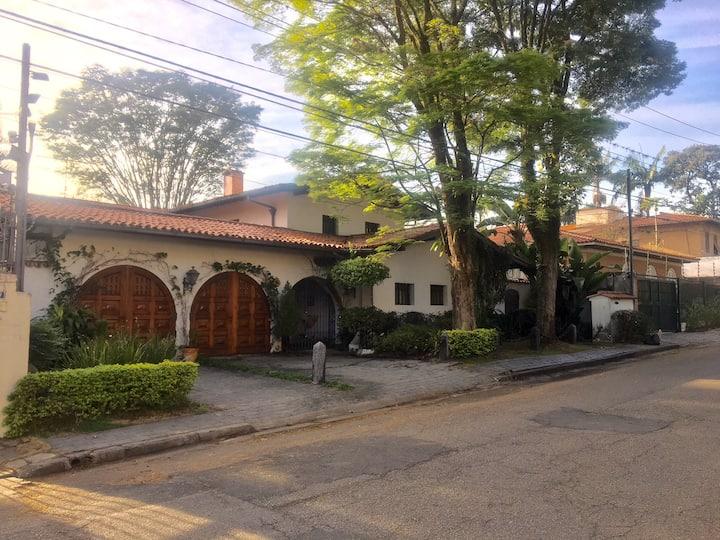 Casa colonial estilosa