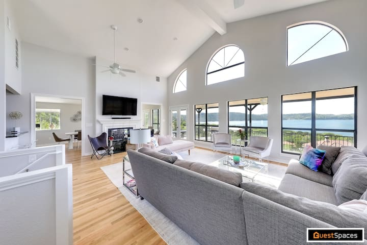 Luxury Lake Travis Villa w/ Panoramic Views - 25 minutes to Downtown | Professionally Cleaned + Hosted By GuestSpaces