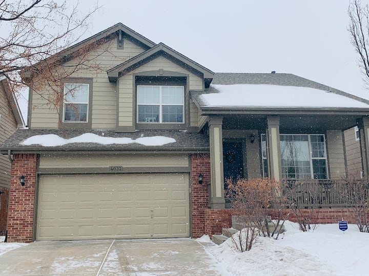 Comfortable 2story family home in CO!