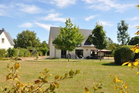 Maison spacieuse entre ville et campagne ... - Ferrières