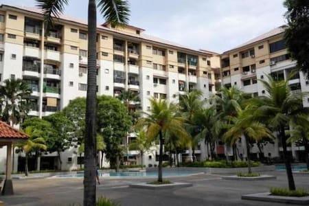 Family-Style Apartment Klang - Klang - Apartment - 1