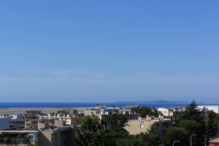 vue sur le cap d'Antibes