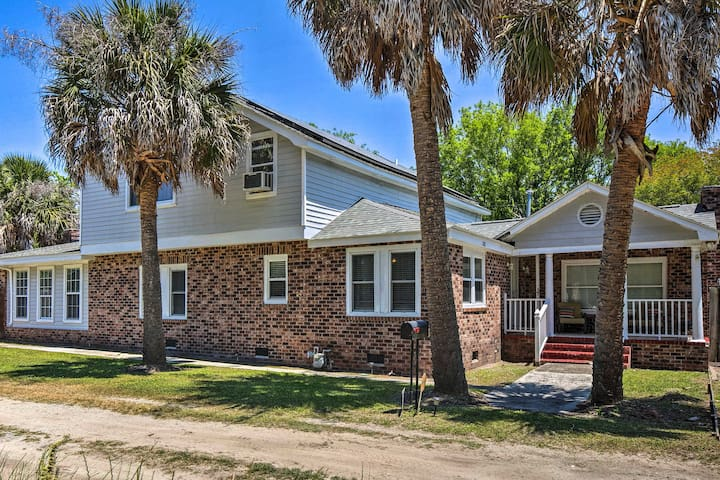 Charleston Home Close to Beach & Boat Landing!