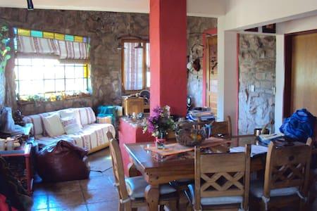 Casa en las sierras-ideal si buscas tranquilidad - Mendiolaza - Rumah