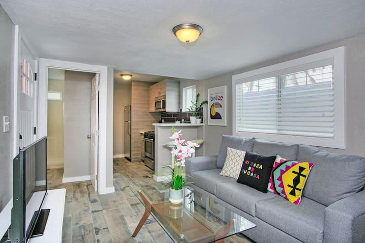 Modern Trendy Home + 10min to DTLA!