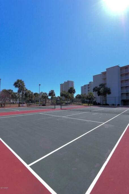 Very nice clay tennis courts