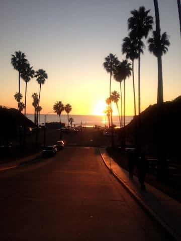 Great Home, 10 min walk to beach