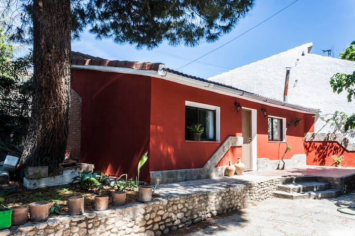Separate guest house near Madrid