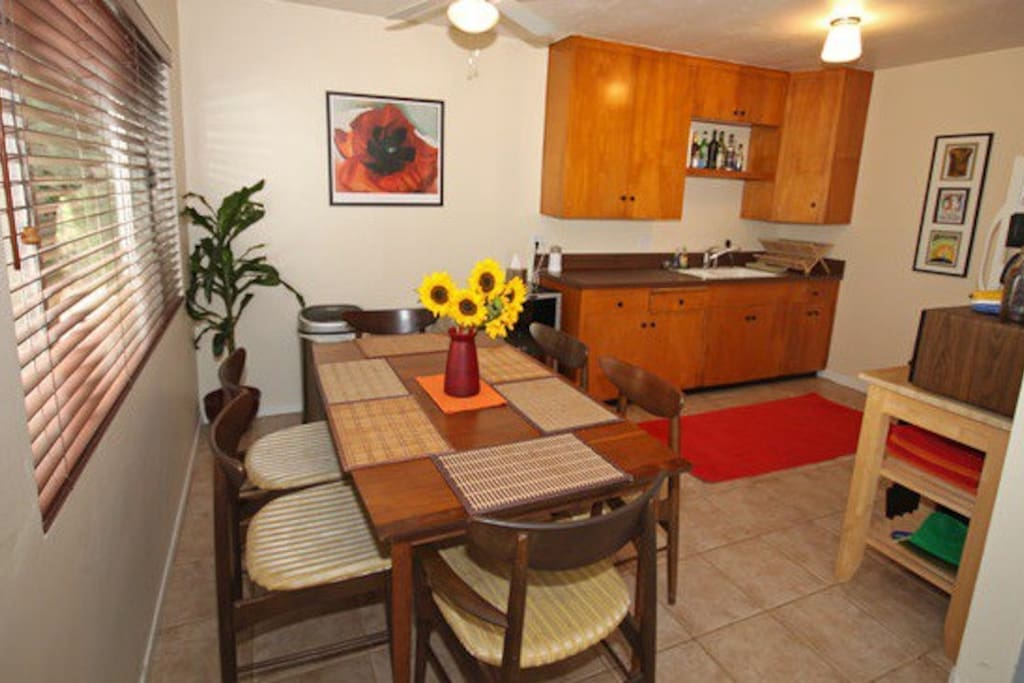 Dinning table with seating for 6.