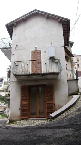 Lovely house in the heart of Italy - Poggio Moiano - Rumah