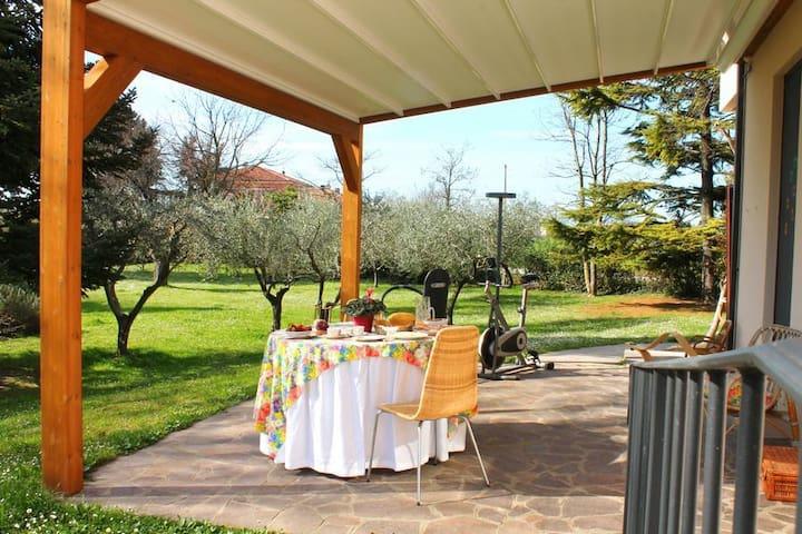 Cam. Romantique - vacanza o lavoro - Bellocchi - ที่พักพร้อมอาหารเช้า