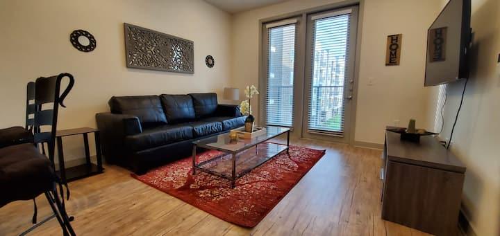 Stylish Apt NearDowntown | Ideal for Long Stays! B