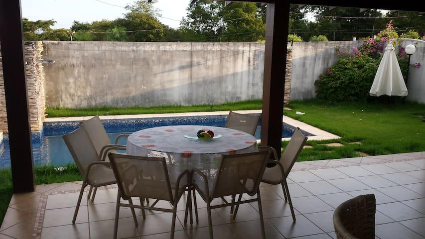 sobrado em condominio horizontal - Cuiabá - บ้าน