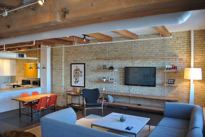 Modern Exchange District Loft Condo - Winnipeg - Condominium