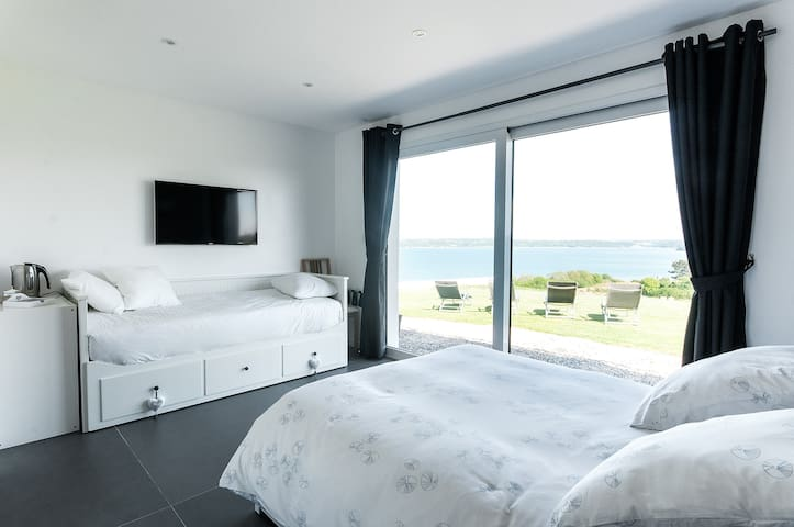 Beautiful & cosy room,with seaview! - Carantec - Rumah