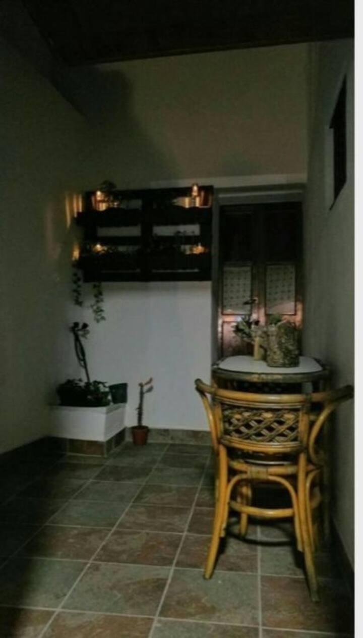 Pequeño apartamento recien reformado, bien situado