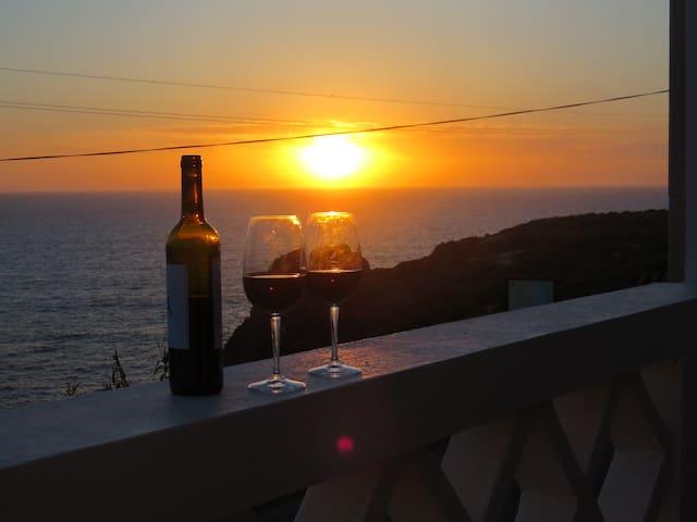 Casa de praia com vista para o mar em Zambujeira