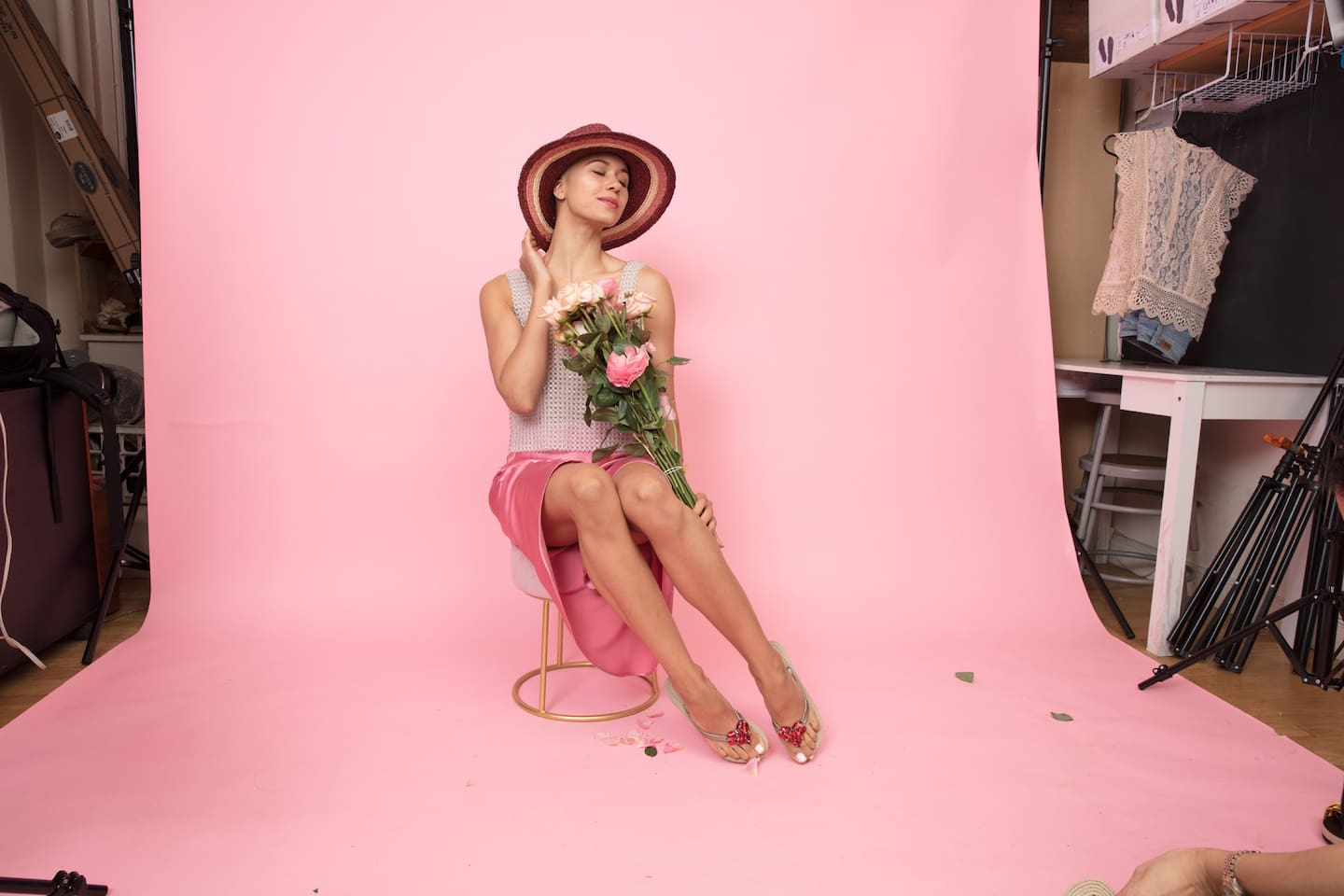 For fashion photoshoot, we have pink, yellow and small white backdrop and polls.