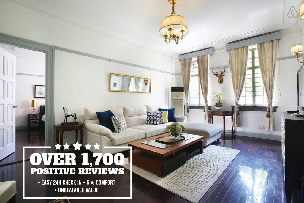 Extra spacious one bedroom apartment that can comfortably fit four travelers. 宽敞的一室一厅公寓可以舒适的睡4人!